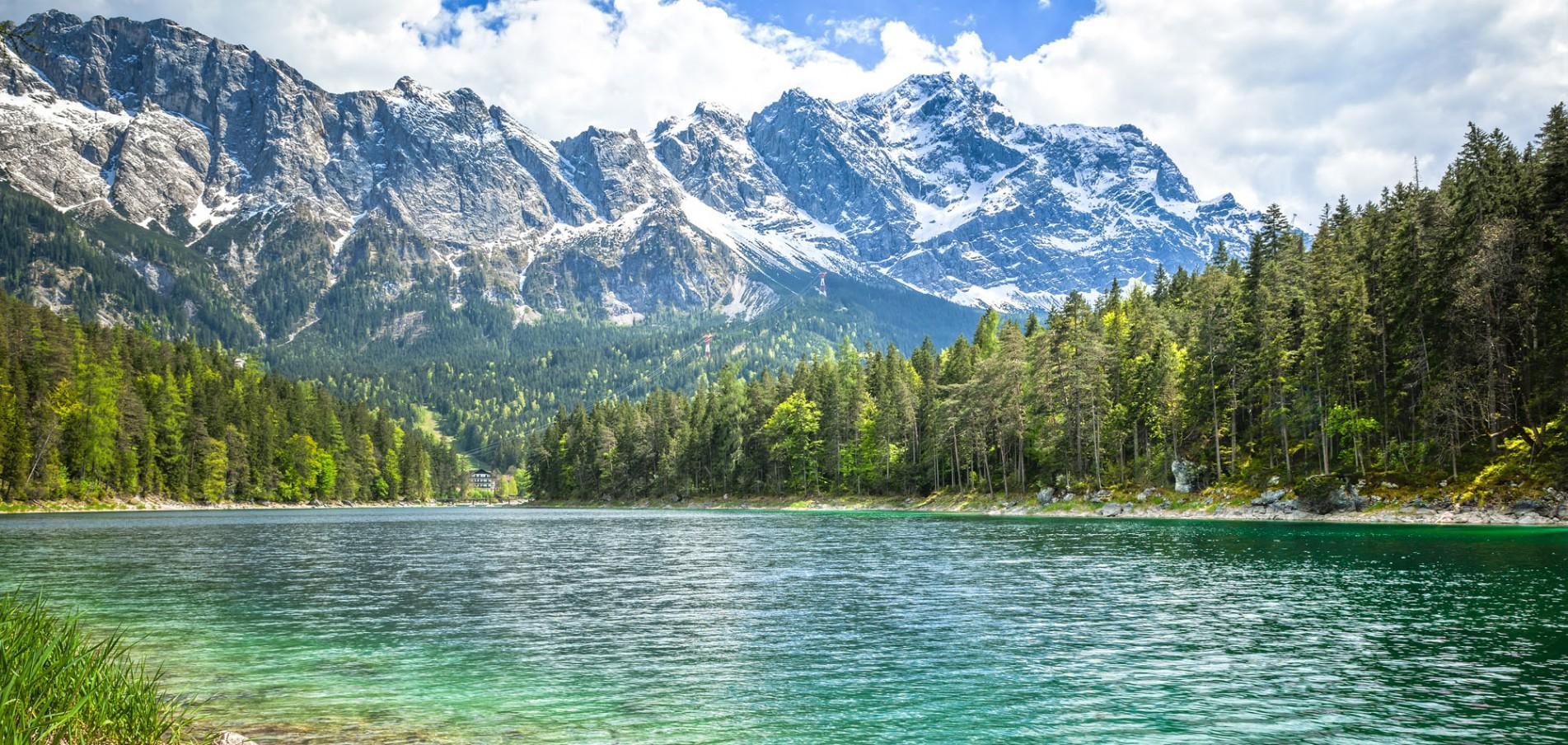 WILLKOMMEN IN GARMISCH ...der Blick Richtung Berge, der Fokus auf Erfolg!