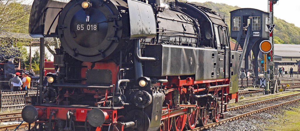steam-locomotive-3226759_1920bochumpixabay